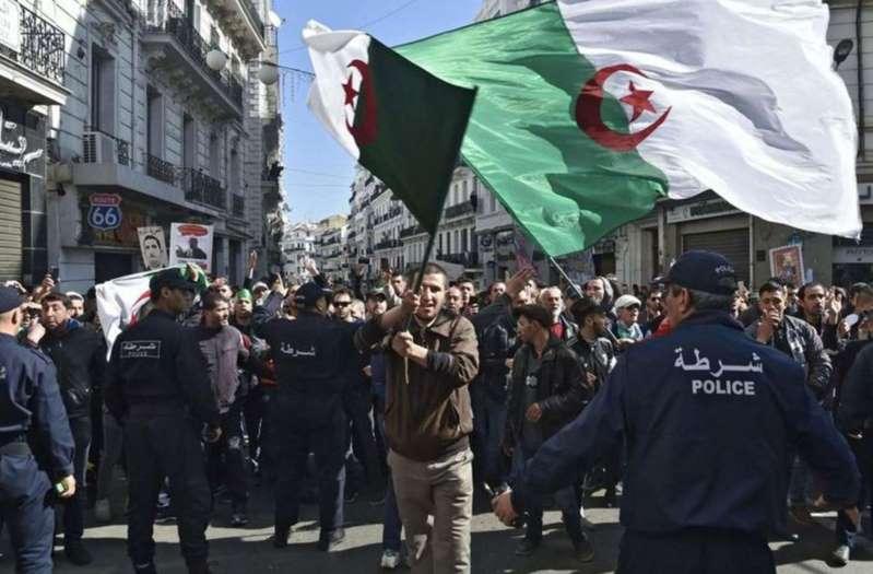 Algérie : un militant écope de 10 ans de prison pour «incitation à l'athéisme» et «offense à l'islam»