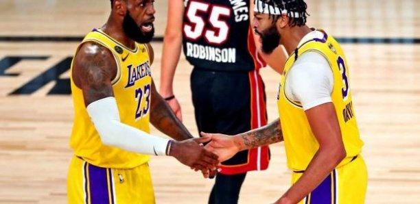Finales NBA (match 1) : Los Angeles Lakers surclasse Miami Heat