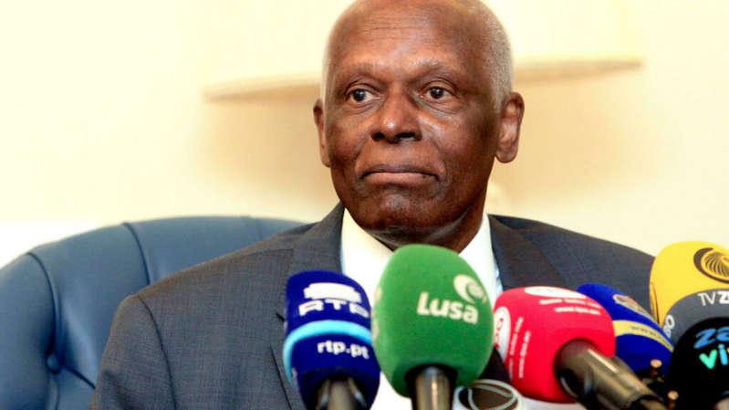 Angola: l'ex-président José Eduardo dos Santos de retour à Luanda